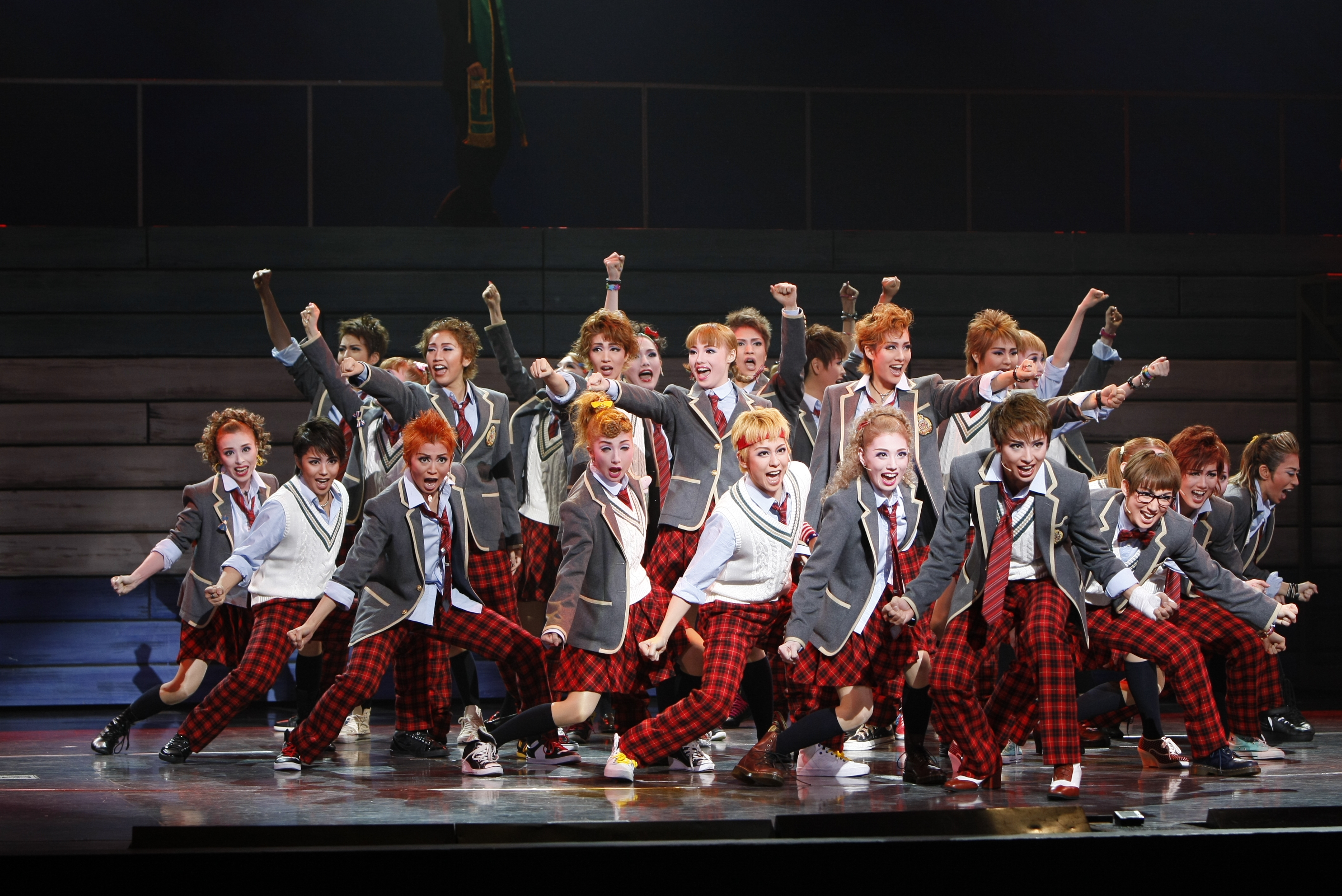 FOOTLOOSE Takarazuka Cast