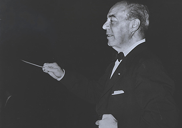 Richard Rodgers Conducting